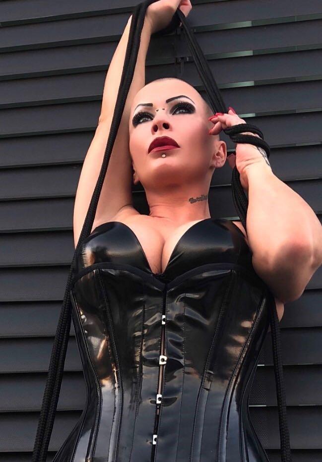 Fetish Mistress Justine aus Thurgau,Schweiz